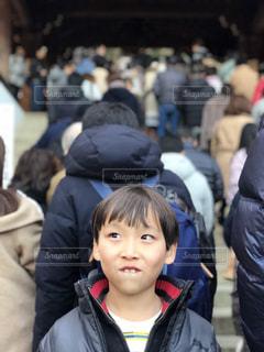 観衆の前で立っている人のグループの写真・画像素材[1169534]