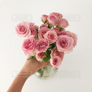 ピンクの花の花束の写真・画像素材[854788]