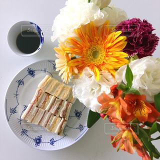 元気に、サンドイッチ!の写真・画像素材[1181814]