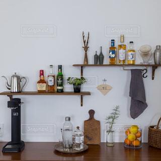 キッチンにウィスキー。の写真・画像素材[4376734]
