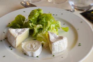 ディナー,世界遺産,フランス,チーズ,サラダ,レストラン,モンサンミッシェル,relais saint-michel