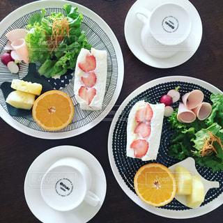 食卓,ハート,フルーツサンド,ワンプレートごはん,苺サンド