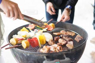 ボウルに料理人の写真・画像素材[1203673]