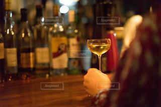 クローズ ボトル、ワインのガラスのの写真・画像素材[1634441]