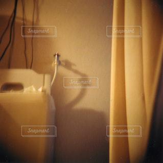 1Kの部屋でボーッとした時の一枚の写真・画像素材[721645]