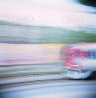 バスのぼやけた写真の写真・画像素材[722131]