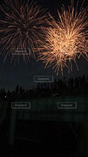 夜空の花火の写真・画像素材[1322470]