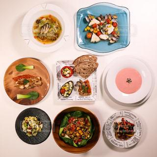 皿の上の食品のさまざまな種類の写真・画像素材[1044187]
