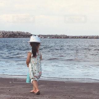 子ども,海,砂浜,海辺,子供,女の子,浜辺,ドリンク,子,タンブラー,2歳,タケヤ,タケヤフラスク,タケヤフラスクトラベラー