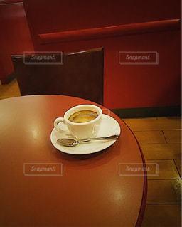 Espresso,caffe veloce espresso,カフェベローチェ 関内みなと大通店,昼下がりのカフェ,バーガンディ