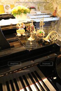 近くにピアノの - No.808418