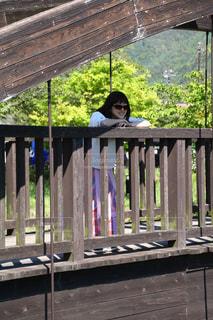 木製の柵を行く橋の写真・画像素材[1163639]