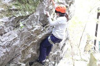 女性,アウトドア,スポーツ,大自然,岩,人物,ヘルメット,トレーニング,ロープ,ロック クライミング