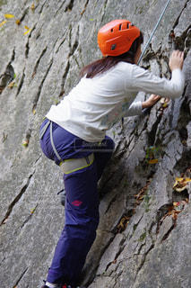 女性,アウトドア,スポーツ,人物,ヘルメット,トレーニング,ロープ,ロック クライミング
