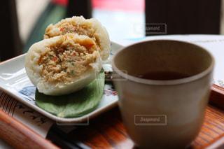 クローズ アップ食べ物の皿とコーヒー カップの写真・画像素材[1271088]