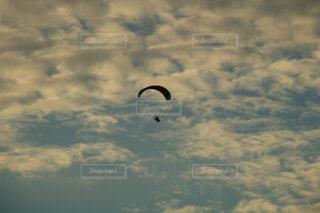 アウトドア,スポーツ,雲,パラグライダー,秋空,高積雲