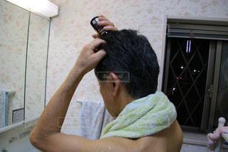 男性,人物,髪の毛,頭,育毛剤,65歳,第一三共ヘルスケア