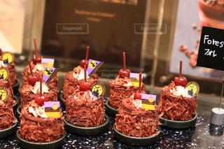 キャンドルとバースデー ケーキの写真・画像素材[1562052]