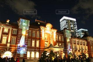 夜の街の人々 のグループの写真・画像素材[1693759]