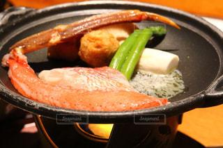 板の上に食べ物のパンの写真・画像素材[1757317]