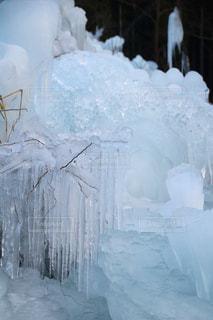 雪に覆われた建物の写真・画像素材[1782407]