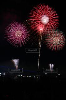 夜空の花火の写真・画像素材[2461451]