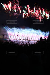 夜空の花火の写真・画像素材[2461508]
