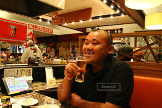 男性,グラス,ビール,乾杯,ドリンク,アルコール,友人