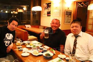 男性,グラス,ビール,乾杯,ドリンク,友人
