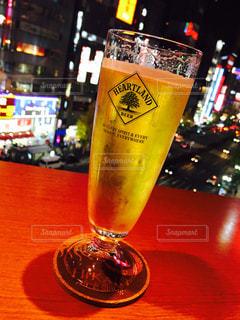 夜,ビール,新宿