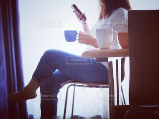 女性,コーヒー,COFFEE,コーヒータイム,一眼レフ,一眼,くつろぎ,ブレイクタイム,くつろぎタイム,Canon EOS Kiss X8i,EF-S55-250mm