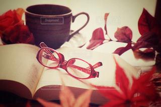 テーブルの上のコーヒー カップの写真・画像素材[767313]