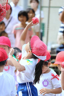野球の試合を見ている人の群衆の写真・画像素材[769748]