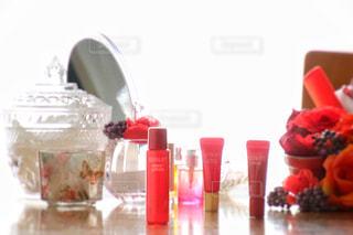 テーブルにガラスの瓶のグループ - No.771151