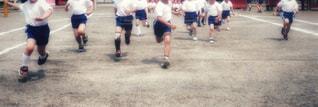 サッカーのゲームの若い男性のグループの写真・画像素材[799937]