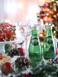 クリスマス,グラス,クッキー,おうちカフェ,クリスマスツリー,サイダー,お家カフェ,シフォンケーキ,炭酸,ワイングラス,ペリエ,スパークリング,オーナメント,イチゴ,炭酸飲料,イチゴケーキ