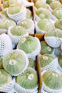 近くに多くの異なる野菜の展示のの写真・画像素材[924715]