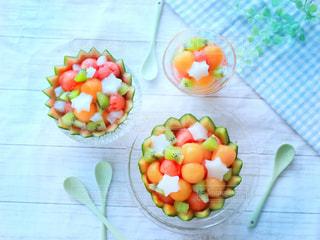 テーブルの上の果物 - No.1045597