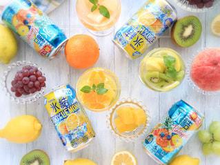 氷結レモンとパイナップルの写真・画像素材[1324620]