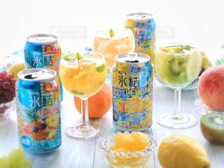 氷結レモンとパイナップルの写真・画像素材[1324625]