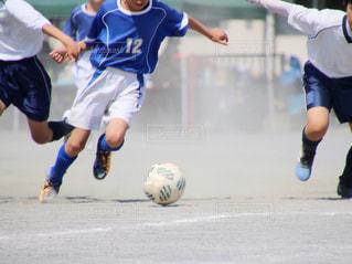 サッカーの試合の写真・画像素材[1347358]