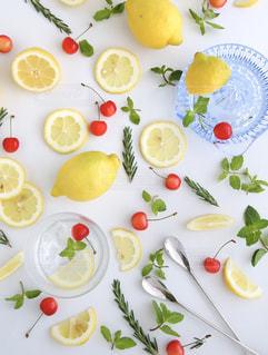 焼酎の水割りレモンの写真・画像素材[1785894]
