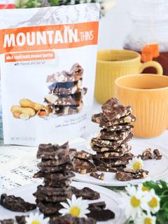 おやつ,お菓子,チョコレート,チョコ,アーモンドロカ,マウンテンシンダークチョコワイルドベリー,マウンテンシンミルクチョコピーナッツバター