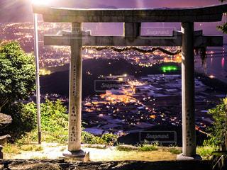夜の街の景色の写真・画像素材[815994]