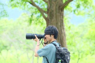 男性,20代,カメラ,新緑,写真,お出かけ,望遠レンズ,カメラ男子