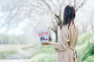 女性,春,桜,ピンク,お花見,ピクニック,ポートレート,お出かけ,アーモンドロカ