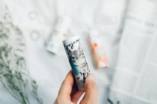 歯ブラシを持つ手の写真・画像素材[2229667]