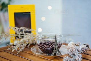 テーブルの上のケーキの写真・画像素材[2850929]