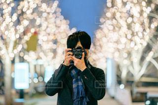 男性,ファッション,風景,カメラ,屋外,大阪,人,梅田,グランフロント大阪,シャンパンゴールド