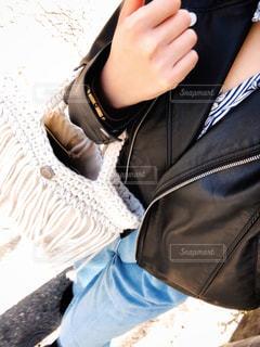 女性,ファッション,コーディネート,デニム,ストライプ,ライダース,ワイドパンツ,春コーデ,春物